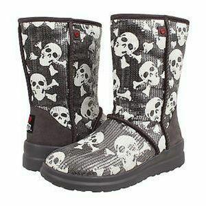 I Heart UGGS Short Skull Design Boots